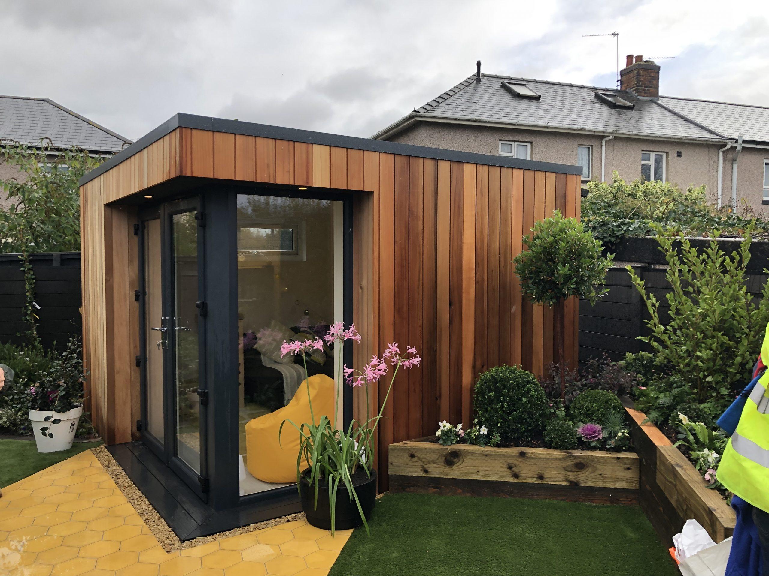 A Vivid Green garden studio with storage – Space for storage